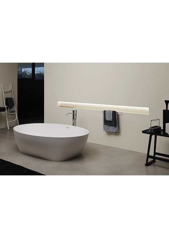 The Solidea tub with Ombra